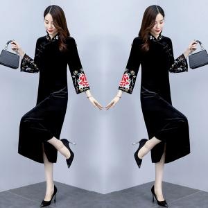 GC8089时尚复古绣花连衣裙