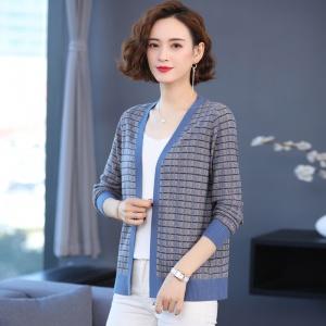 针织开衫女士春秋季2021年新款外搭小款外套上衣洋气条纹格子百搭